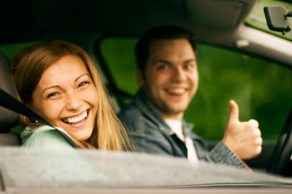 Happy-Couple-in-Car