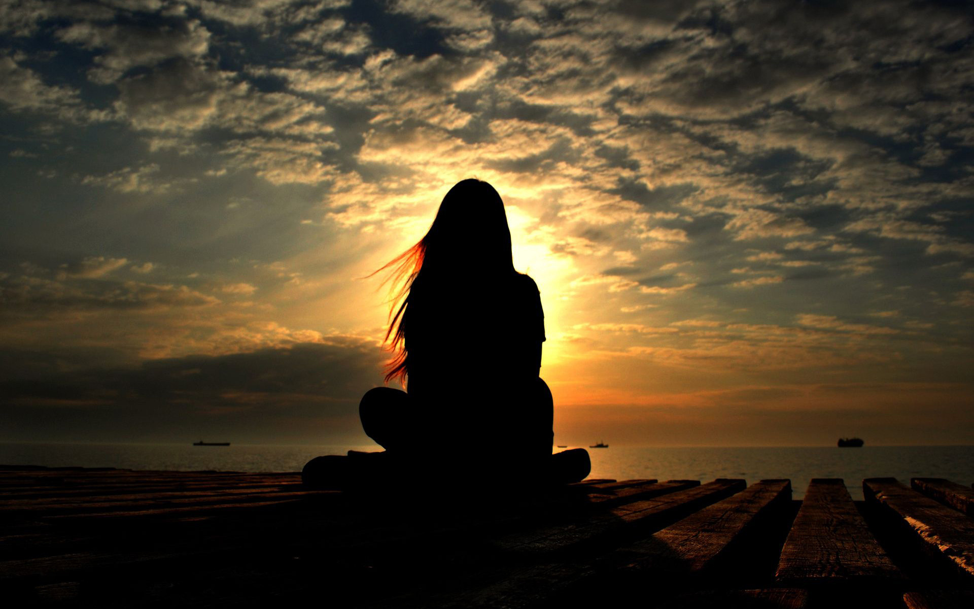 girl-silhouette-in-the-sunset-light-girl-hd-wallpaper-1920x1200-7922