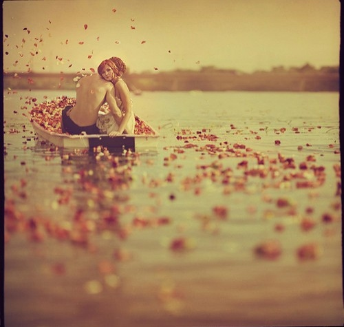boat-couple-dating-flowers-girl-heart-Favim.com-39899